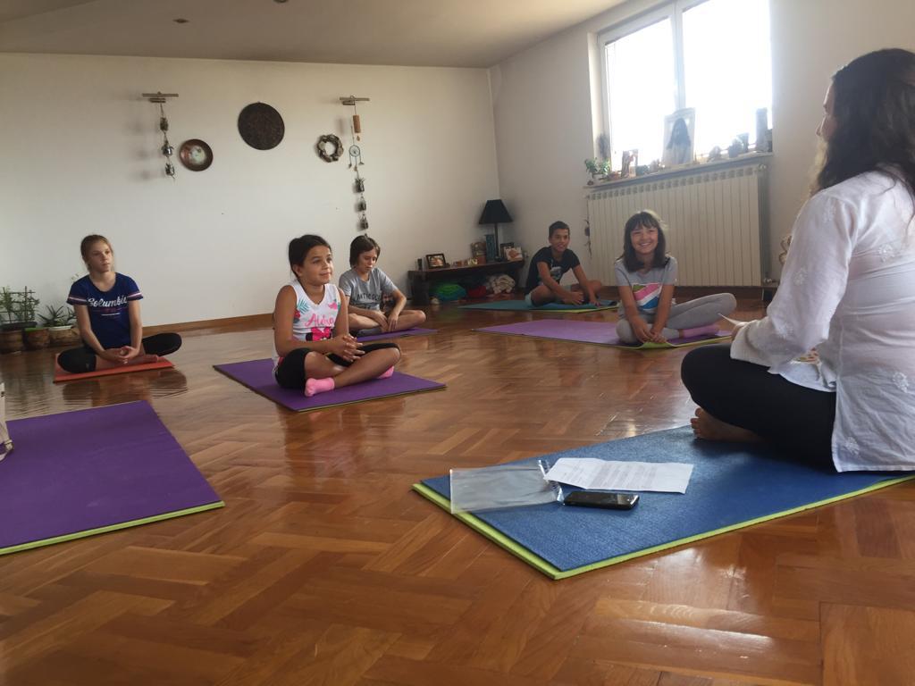 Razigrana-joga-i-hrana-puna-ljubavi-septembar-2019 (1)